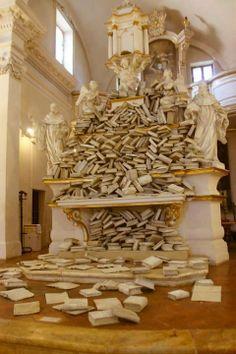 Une église transformée en bibliothèque, Sienne, Italie