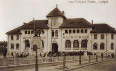 Focsani - Palatul Justitiei (Tribunlalul) intr-o vedere de la 1930 editata de librarul focsanean Gh. D. Mircea House Design, Mansions, House Styles, Places, Pictures, Romania, Photos, Photo Illustration, Fancy Houses