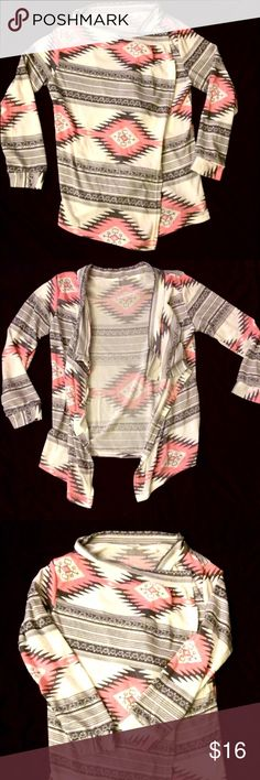 Gorgeous Kimono Style Cardigan Lightweight cotton blend cardigan. Loose fitting and comfy.  Front falls open for a slouchy shawl look. EUC, no signs of wear Sweaters Shrugs & Ponchos