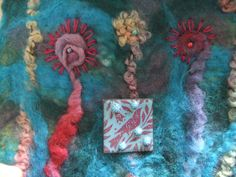 Daisy scarf detail