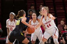 Stanford, CA - January 6, 2017: Stanford Women's Basketball faces the University of Oregon at Maples Pavilion. The Cardinal won 81-60. Photo: Andrew Villa, Andrew Villa/isiphotos.com