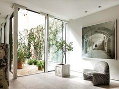 Casa de Luis Puerta: dormitorio con patio