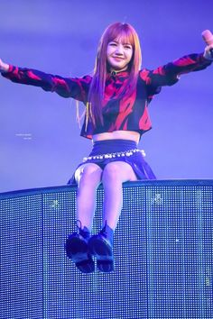 Your source of news on YG's biggest girl group, BLACKPINK! Please do not edit or remove the logo of. Blackpink Lisa, Jennie Blackpink, Lisa Black Pink, Black Pink Kpop, Yg Entertainment, K Pop, South Korean Girls, Korean Girl Groups, Kpop Tumblr