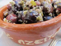 Als Vegetarierin hat frau es schwer in Portugal. Dory, Acai Bowl, Portugal, Hat, Breakfast, Vegetarian, Acai Berry Bowl, Chip Hat, Morning Coffee