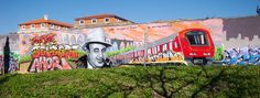 El arte urbano se erige como nuevo atractivo turístico de la ciudad de Lisboa | Via LaVanguardia.com | 28/05/2015 Cada vez son más las paredes y muros de la capital que exhiben obras de este tipo, que mezclan crítica política y social con las pasiones artísticas de sus autores #Portugal