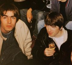 Oasis: Liam and Noel Gallagher Great Bands, Cool Bands, Liam Gallagher Noel Gallagher, Anais Gallagher, Oasis Music, Liam And Noel, Oasis Band, Britpop, Celebrity Pictures