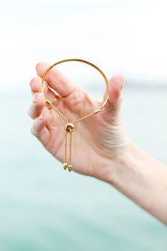Bracelets – Page 6 – Modern Jewelry Gold Jewelry Simple, Stylish Jewelry, Modern Jewelry, Fashion Bracelets, Jewelry Bracelets, Diamond Bracelets, Braclets Gold, Fashion Jewelry, Couple Bracelets