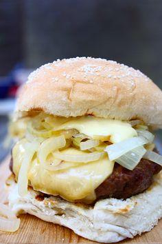 franse-uien-burger-met-old-amsterdam-3