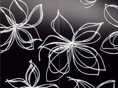 fashionable-designer-black-white-flower-tiles