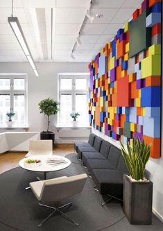 30 Modern Office Design ideas and Home Office Design Tips RECEPTION-Pensionsmyndigheten Office Cheerful Pensions Agency Interior Design in Sweden Modern Office Design, Office Interior Design, Office Designs, Office Ideas, Modern Offices, Color Interior, School Office Design, Office Wall Design, Medical Office Design