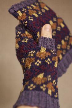 Ravelry: Project Gallery for Mushroom Kelliemuffs pattern by SpillyJane
