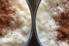 Κάπως βαρύ για επιδόρπιο αλλά εξαιρετικό για το πρώτο γεύμα της ημέρας ή το απόγευμα, όταν θέλεις κάτι για να σε τονώσει, αυτό το γλυκό - συνδυασμός κρέμας με ρύζι και άρωμα βανίλιας και κανέλας είναι ιδανικό.