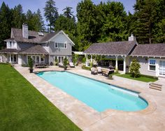 ALKA POOL - Having a traditional shape for your pool means it will never go out of style.