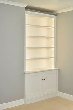 Dimmable light detail in this traditional alcove cabinet. Alcove Storage Living Room, Living Room Built In Cabinets, Bedroom Alcove, Alcove Shelving, Alcove Cupboards, Built In Cupboards, Living Room Shelves, Victorian Living Room, Cottage Living Rooms