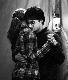 Harry & Hermione in Harry Potter and the Deathly Hallows Part I
