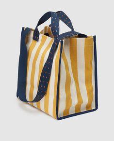 Jute Tote Bags, Diy Tote Bag, Tote Purse, Leather Bags Handmade, Handmade Bags, My Style Bags, Diy Sac, Feed Bags, Linen Bag