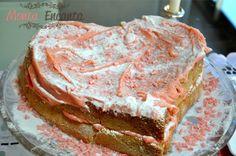 Bolo Bicho de pé, Naked Cake rosa, formato de coração, de bicho de pé, feito com pao de lo fofíssimo, pronto para encantar o próximo parabéns!