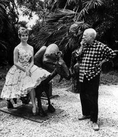 ImpressioniFotografiche: Brigitte Bardot with Pablo Picasso, 1956