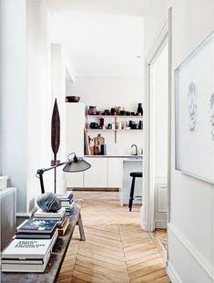 7 Simple and Modern Ideas: Minimalist Home Scandinavian Shelves minimalist decor colorful pillows.French Minimalist Decor Chairs minimalist home living room ceilings. Vogue Living, Minimalist Interior, Minimalist Decor, Minimalist Kitchen, Minimalist Bedroom, Modern Minimalist, Home Interior, Interior Architecture, Interior Modern