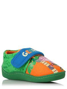 Jyri Possu tossut Pool Slides, Safari, Sandals, Sneakers, Shoes, Fashion, Tennis, Moda, Shoes Sandals