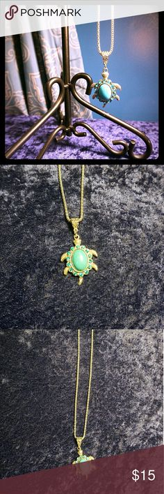 Turquoise Turtle Silver Tone Necklace 🏝🌎 Dazzling, fun, perfect for the turtle lover Jewelry Necklaces