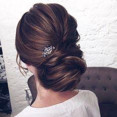 Gorgeous Wedding Hairstyles from updo to wedding hairstyles down. wedding hairstyles perfect for every season,chignon,boho wedding hairstyles,braided updo #weddinghairstylesupdo #weddinghairstylesboho