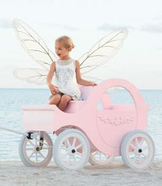 Princess Carriage...Omg- How could I justify getting this for Blythe?!? :)
