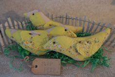 Primitive Home Decor Easter Chicks Vintage Quilt Pillow Tucks PEEP PEEP Chicks #NaivePrimitive #auntiemeowsatticprims