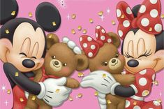 Mickey & Minnie loving up their favorite bears, Duffy and Shelly Mae