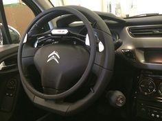 ACELERADOR DE ARO - CITROËN C3. El acelerador de aro es una solución para la conducción consistente en un dispositivo mediante el cual el usuario realiza la aceleración del vehículo presionando el aro situado sobre el volante. En Válida Car también te ofrecemos la posibilidad de instalar el aro debajo del volante (según modelo).