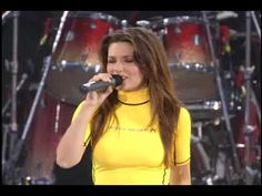 Shania Twain - Man! I Feel Like A Woman! [Up! Live in Chicago 1 of 22].flv