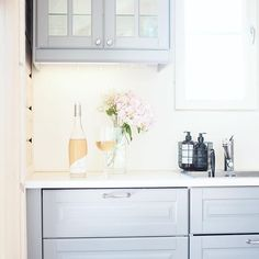 #vardagslyxstuga hashtag on Instagram • Photos and Videos Kitchen Cabinets, Photo And Video, Videos, Photos, Instagram, Home Decor, Pictures, Decoration Home, Room Decor