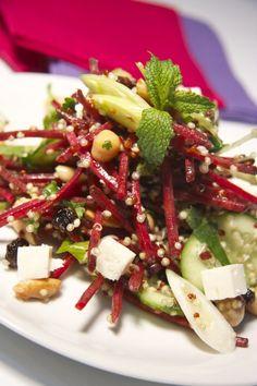 Salade-repas au quinoa et betterave croquante