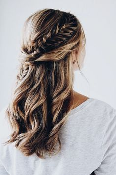 Easy holiday hairstyle for long hair