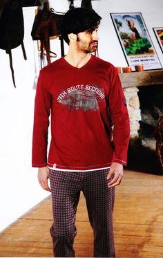 Pijama para hombre Barandi modelo Lester. Combinado en color burdeos. La camiseta de manga larga. Más modelos y marcas de pijamas en Varela Íntimo. #modaHombre #ropaInterior #hombre #underwear http://www.varelaintimo.com/categoria/40/pijamas