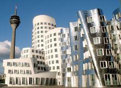 Futuristisch anmutendes #Düsseldorf