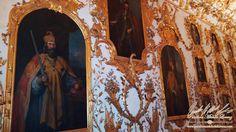 """Unter dem Motto """"Dahoam bei Ralph & Richy"""" ludt FTI Touristik GmbH zusammen mit rund 40 Partnern, 800 Expedienten aus Deutschland, nach München! Wir nutzten bei unserem Aufenthalt in München  die Gelegenheit das Münchner Stadtschloss und die Residenz zu besuchen. Dies war von 1508 bis 1918 Wohn- und Regierungssitz der bayerischen Herzöge, Kurfürsten und Könige.  Der weitläufige Palast ist das größte Innenstadtschloss Deutschlands und heute eines der bedeutendsten Raumkunstmuseen Europas."""