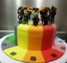 homestuck cake...this is amazing but wtf is happening with sollux's glasses?