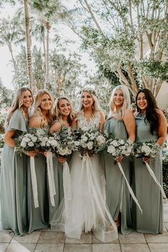 Bohemian Sage Green Wedding with a Geometric Pampas Grass Ba.- Bohemian Sage Green Wedding with a Geometric Pampas Grass Backdrop ⋆ Ruffled Bohemian Sage Green Wedding with Pampas Grass Details - Wedding Bells, Boho Wedding, Dream Wedding, Wedding Day, Wedding Tips, Forest Wedding, Wedding Venues, Elegant Wedding, Wedding Trends
