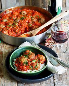 Pasta i kremet tomatsaus og en god del basilikum - Mat På Bordet One Pot Wonders, Samosas, Frittata, Nachos, Pesto, Chili, Spicy, Curry, Food And Drink