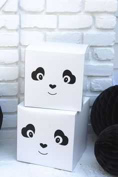 A panda, of course! Check out this monochromatic Party Like a Panda Birthday Party at Kara's Party Ideas Panda Themed Party, Panda Birthday Party, Panda Party, Bear Party, Bear Birthday, Birthday Party Themes, Panda Decorations, Baby Shower Decorations, Panda Love