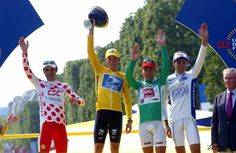 Robbie winning his first green jersey in 2002. On the podium: Laurent Jalabert, Lance Armstrong, Robbie McEwen and Ivan Basso