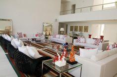 Classuda, Casa Tabatinga tem 1.200 m² e mix de referências praianas e citadinas - Casa e Decoração - UOL Mulher