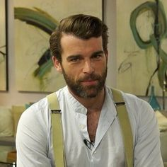 """Outlander's"" Stanley Weber tells Access Hollywood about the fan response to his debut as Comte St. Germain. Stanley also explains why he doesn't see his character as a villain. Plus, does he think if things had been different the Comte and Claire could have been friends? ""Outlander"" Season 2 airs Saturday nights at 9 PM ET/PT on Starz."