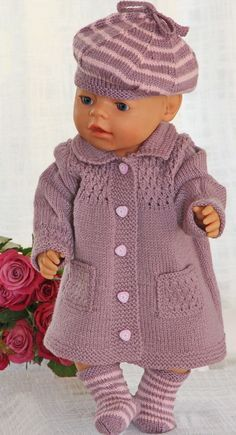 Baby Knitting Patterns Girl Inspired by an old pattern from the Design: Målfrid Gausel . Baby Knitting Patterns, Knitted Doll Patterns, Knitted Dolls, Knitted Baby, Knitting Dolls Clothes, Crochet Doll Clothes, Doll Clothes Patterns, Baby Born Clothes, Girl Doll Clothes