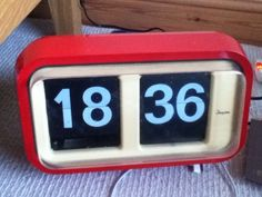 Vintage Analogue Clock (ticker numbers) Original like Habitat Flap Retro Analog