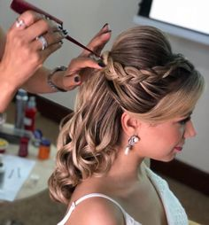 65 ideas wedding indian hairstyles updo up dos for 2019 - Hair Styles 2020 Super Cute Hairstyles, Simple Wedding Hairstyles, Trendy Hairstyles, Indian Hairstyles, Bride Hairstyles, Peinado Updo, Bridal Hair Updo, Hair Wedding, Pinterest Hair