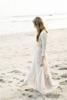 In love with the crop top and flowy maxi skirt. Photography by Jana Williams