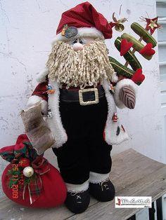 NATALÍCIO FAZ A LISTA Christmas Ornaments To Make, Homemade Christmas Gifts, Christmas Gnome, Christmas Projects, Winter Christmas, Handmade Christmas, Christmas Sweaters, Christmas Crafts, Christmas Decorations