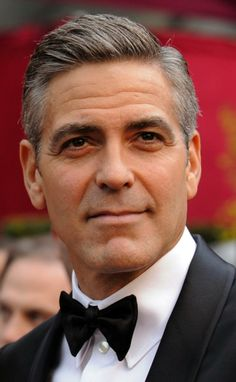 "George Clooney has always been in the eye of the public. His appearance still stirs the heart of many womenRead More Handsome George Clooney's Hairstyles"" George Clooney Haircut, Comb Over Styles, Beautiful Men, Beautiful People, Gorgeous Movie, Hello Gorgeous, Mature Men, Haircuts For Men, Movie Stars"